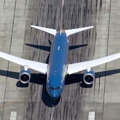 У самолета Новосибирск — Анталья отказал двигатель