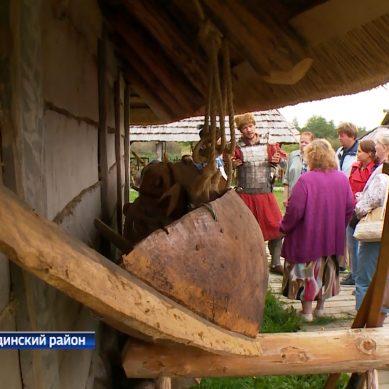 В средневековом городище «Ушкуй» стали проводить экскурсии для всех жителей России