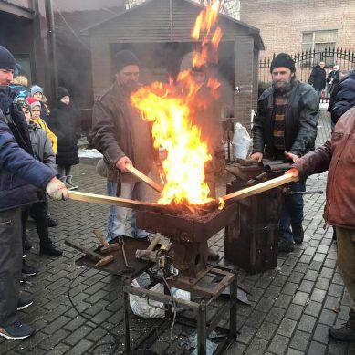«Кузнечное воскресение»: в Калининграде отмечают праздник огня и ремёсел