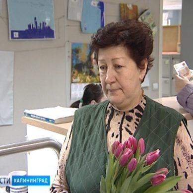 В почтовом отделении на улице Красносельской чествовали почтальона